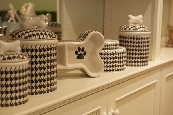 Houndstooth containers and bowls